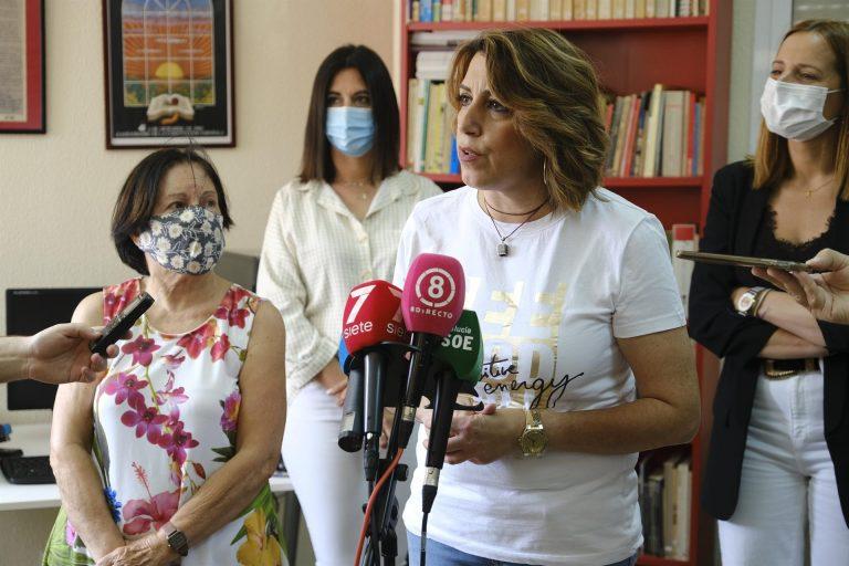 Susana Díaz critica que Vox va a ir a «aporrear» San Telmo «con la excusa miserable» de la acogida de 13 'menas'