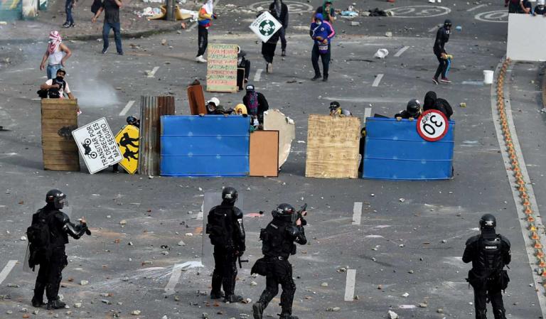 Colombia sigue envuelta en la violencia, con denuncias continuas de abuso policial