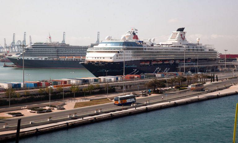 """Puerto de València espera que la llegada de cruceros internacionales sea un """"balón de oxígeno"""" para el sector"""