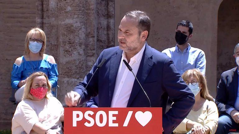 Ábalos achaca el independentismo a los gobiernos de Rajoy