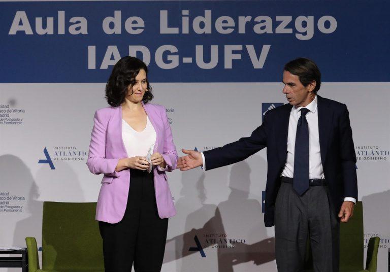 """Aznar pone a Ayuso como ejemplo de liderazgo y dice que su victoria el 4 de mayo marca a Casado el """"camino"""" a seguir"""