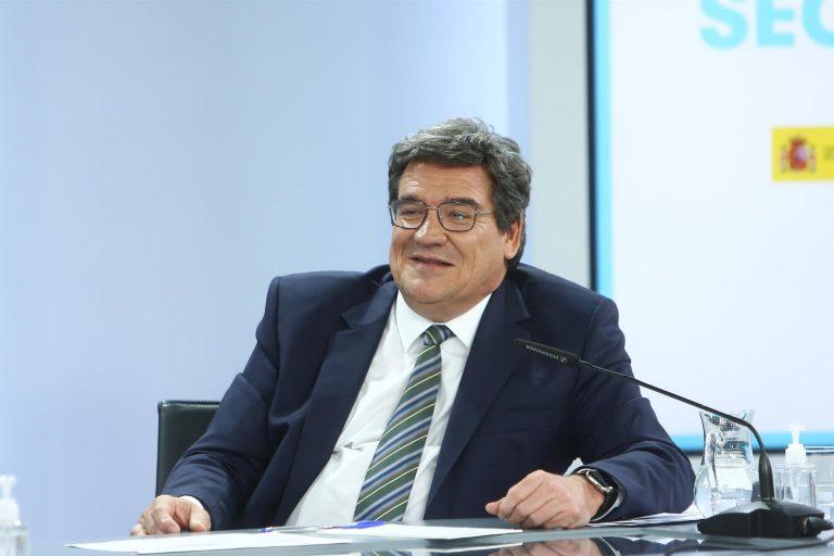 Escrivá anuncia que en junio se está triplicando la cifra de trabajadores que salen del ERTE