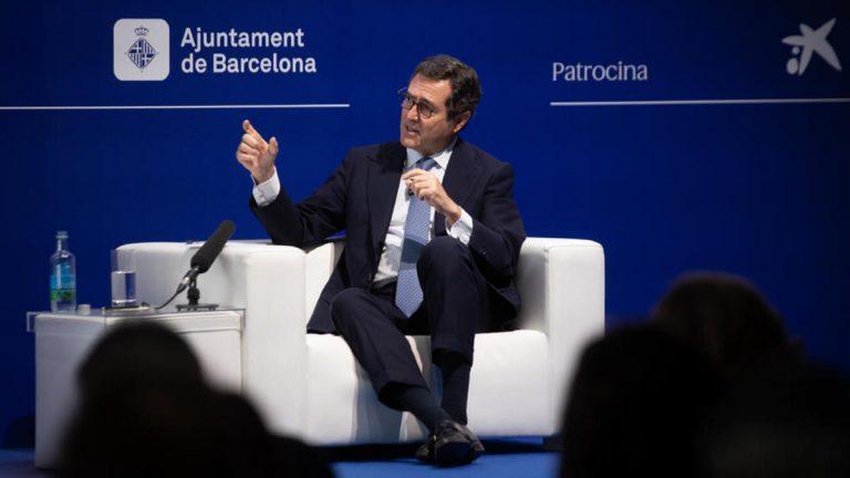 El Gobierno «se queda» con las palabras de Garamendi a favor de la normalidad, tras su polémica por alabar los indultos