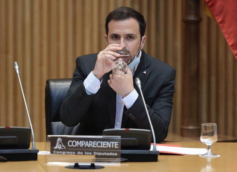 Unidas Podemos plantea la bajada del IVA de la luz del 21 al 10% y Garzón anticipa que vienen meses complicados