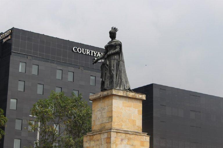 Colombia retira los monumentos a Colón e Isabel la Católica en Bogotá tras ataques de indígenas