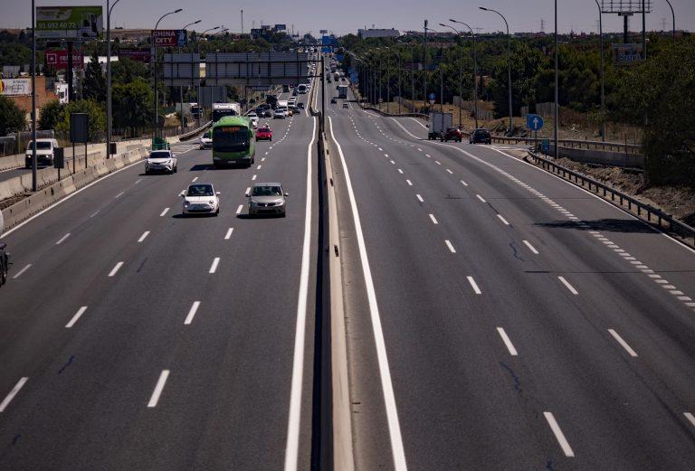 Un 12% de los españoles reconoce no parar en carretera para llegar antes a su destino