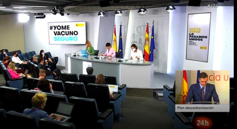 El nuevo Consejo de Ministros aprueba medidas para la digitalización docente y el fomento vehículo eléctrico