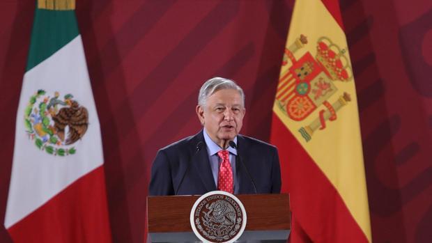 """AMLO considera una """"inmundicia"""" la supuesta actividad delictiva de Juan Carlos I"""