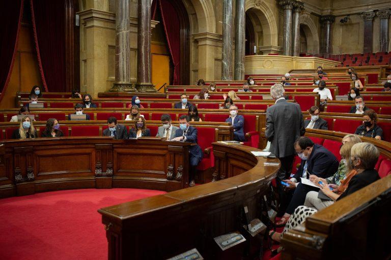 El Parlament rechaza un referéndum en este mandato con el 'no' de Junts y la abstención de ERC