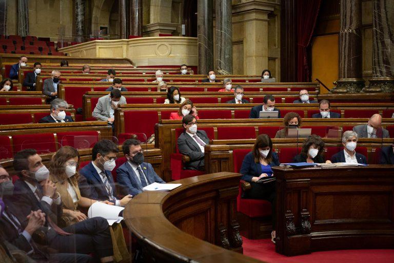 El Parlament catalán aprueba declarar Cataluña «zona de libertad» para personas LGTBIQ sin el apoyo de Vox