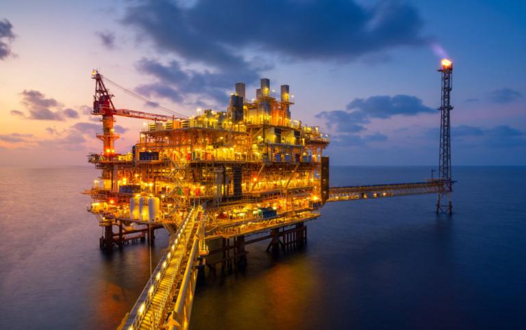 El petróleo, en máximos desde 2018