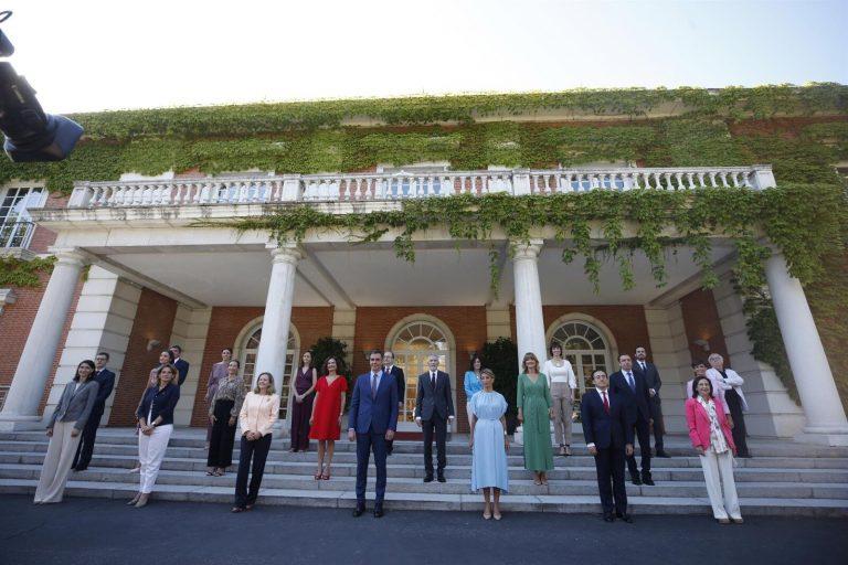 Foto de familia de los nuevos ministros: «Es el Gobierno de la recuperación»
