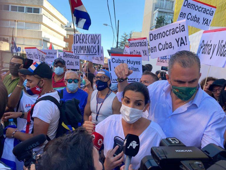 Vox llama a «neutralizar» internacionalmente a la «dictadura cubana»