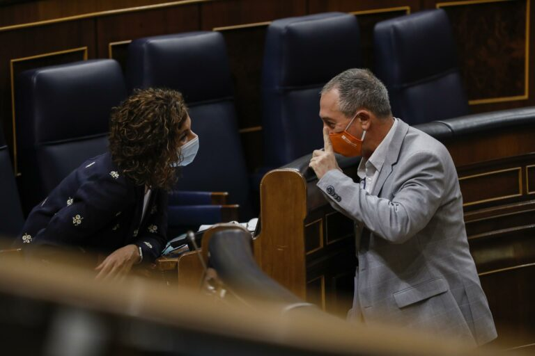 Compromís emplaza a Montero: «O cambian ya el sistema de financiación autonómica o cambiaremos de ministra»