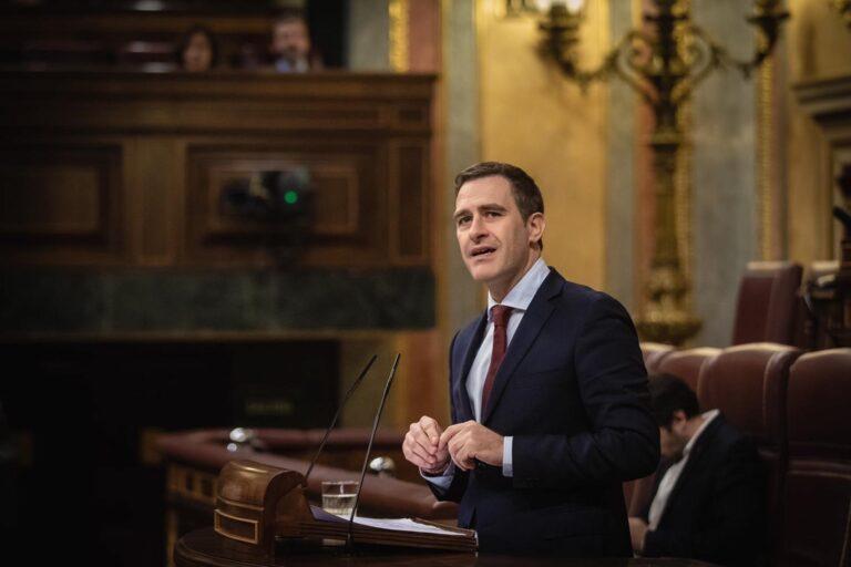 El PP pide respeto a la política fiscal de Madrid y Andalucía