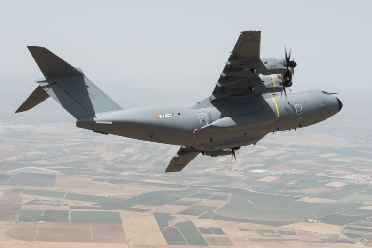 El primer avión español para la repatriación de Afganistán saldrá esta noche