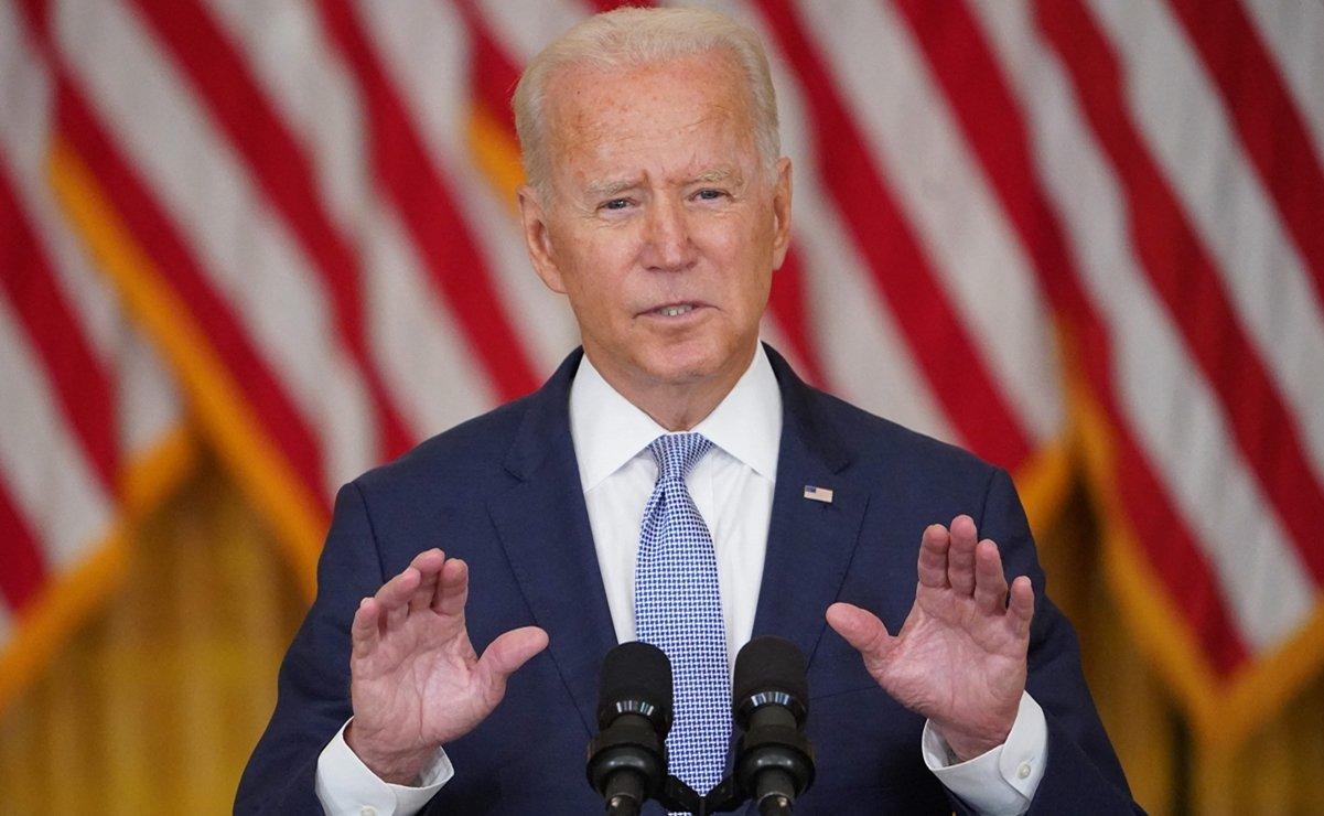 Joe Biden dando un discurso a la ciudadanía