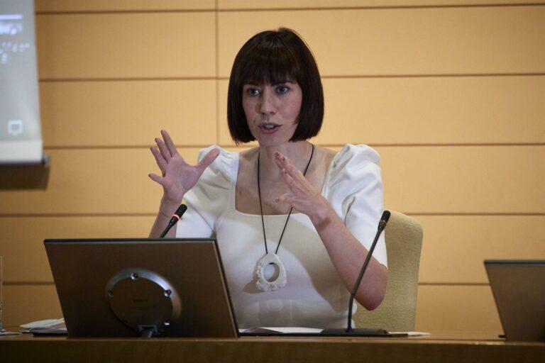 España no administrará terceras dosis mientras no haya evidencias «claras»