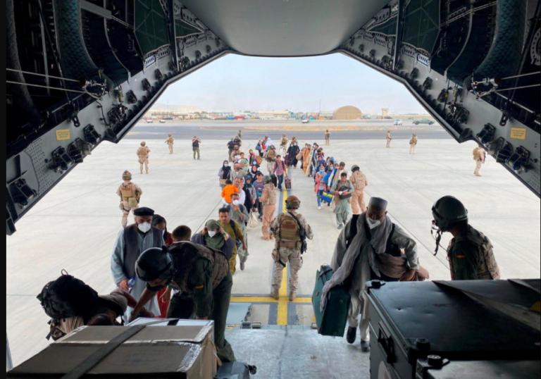 Bolaños dice que intentará evacuar de Afganistán «a las máximas personas posibles»