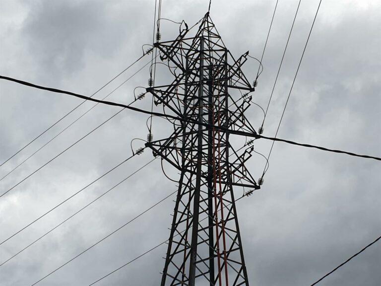 El precio de luz encadena otro récord este martes y se dispara hasta los 130 euros/MWh