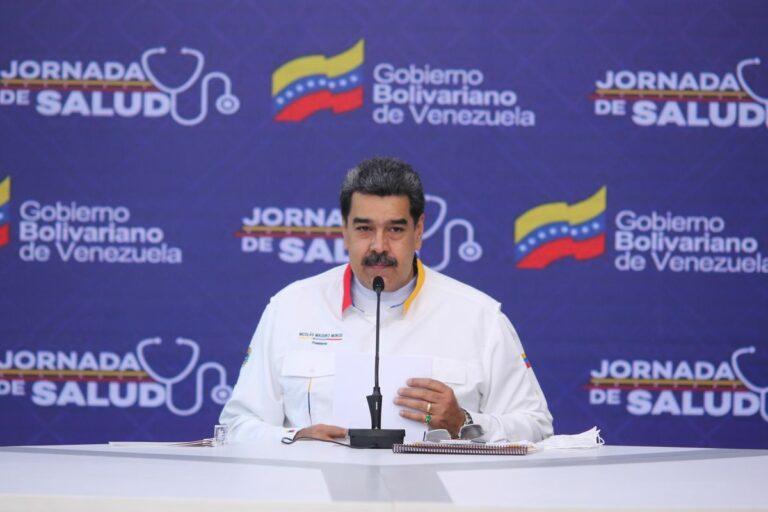 Maduro critica al Barcelona por «dar una patada» a Messi: «Lo que le hicieron no tiene nombre»