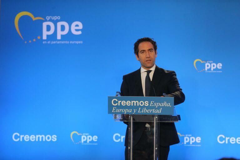 El PP «ya prepara los primeros Consejos de Ministros de Casado»