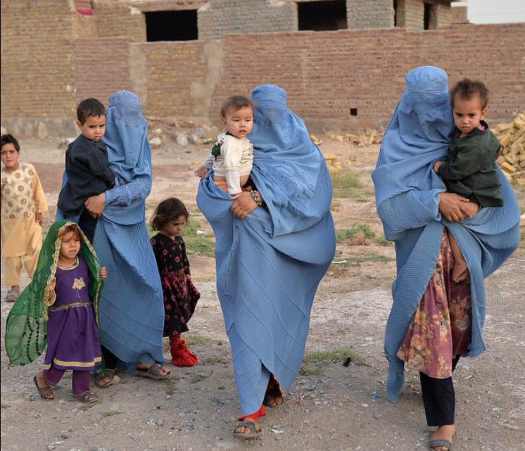 La comunidad internacional recibe garantías de los talibán para la salida de afganos tras el 31 de agosto