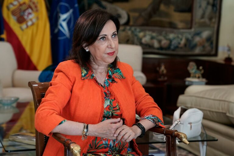 Robles rechaza incorporar en un nuevo Estatut las competencias que anuló el Constitucional en materia de Justicia