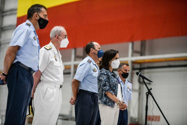 Robles, a UP: «Los militares son los protagonistas de la evacuación y quien no lo vea tiene tics y complejos»