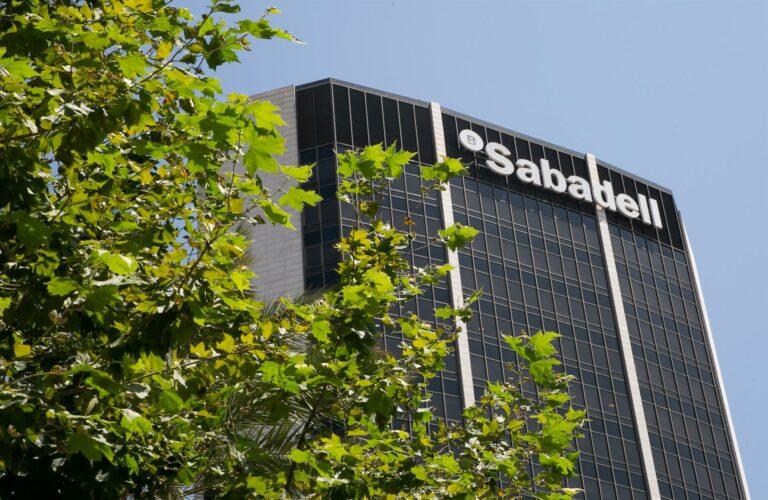 Banco Sabadell inicia un ERE que incluirá prejubilaciones y un plan de recolocación