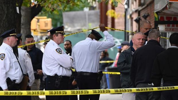 Diez heridos, al menos, en un tiroteo en Nueva York