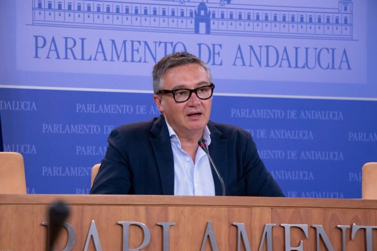 """Vox pide a la Junta que """"no se acobarde para despedir """"enchufados"""" en Andalucía"""