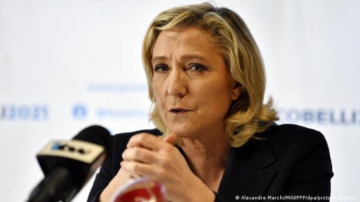 Le Pen comienza su campaña presidencial advirtiendo sobre las zonas «talibanizadas» de Francia