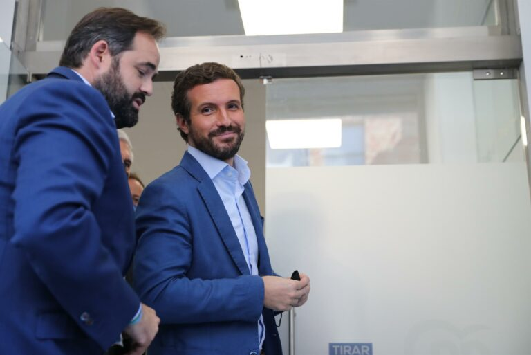 Casado acusa a Sánchez de humillar a España para conseguir votos separatistas