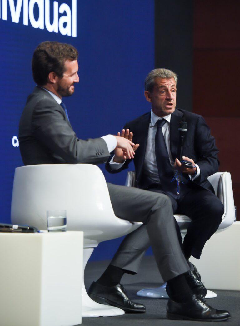 Casado pone a Madrid como ejemplo de libertad ante Sarkozy