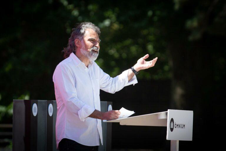 Òmnium asegura que volverá a «presionar a los políticos para que pongan las urnas» en Cataluña