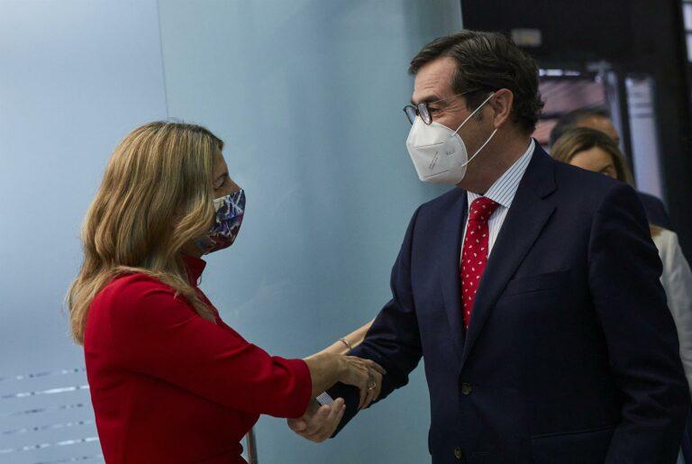 """Díaz dice que la subida del SMI será """"inmediata"""""""