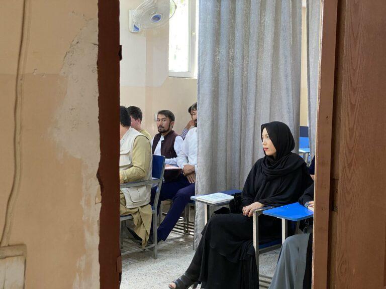La separación hombre-mujer llega a la Universidad de Kabul