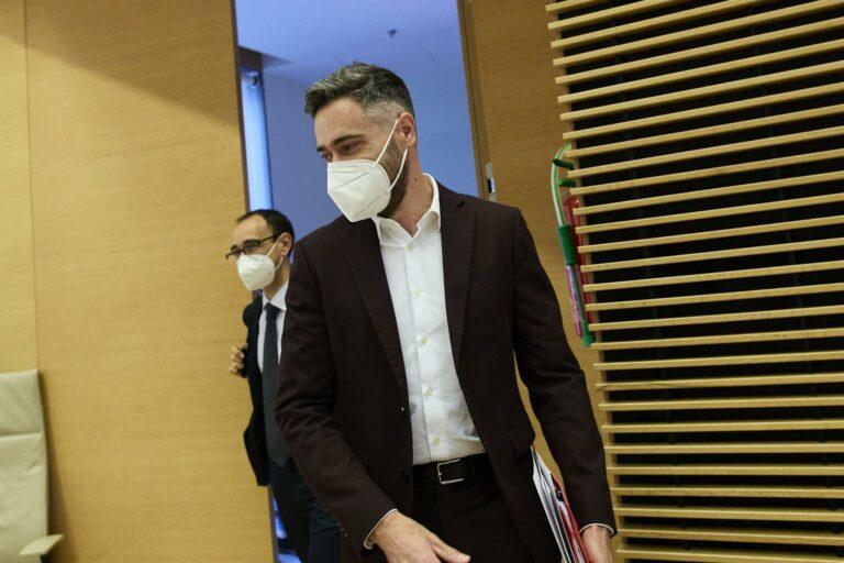 Sicilia responde a Casado que «abandone toda esperanza» de tumbar Gobierno