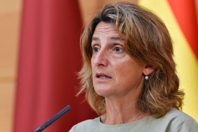 Ribera dice que en las próximas semanas se aprobarán medidas adicionales contra la subida de la luz