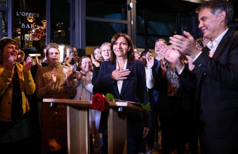Anne Hidalgo afirma que se presenta en Francia siguiendo el ejemplo de Pedro Sánchez
