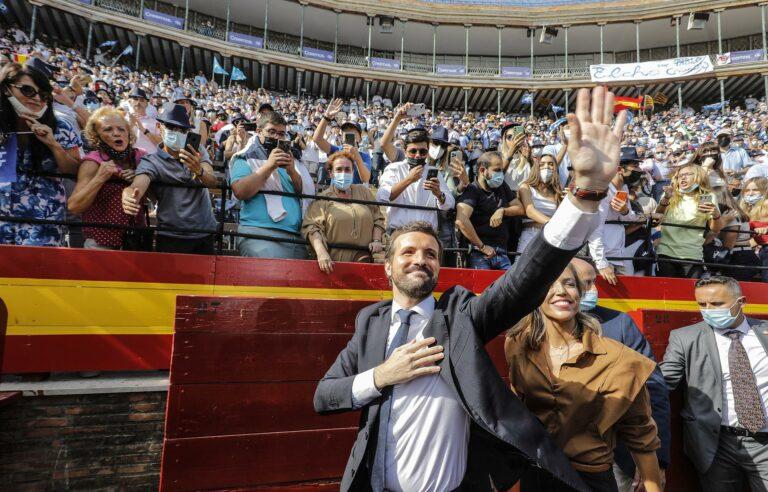 Un PP con la vista en las elecciones exhibe músculo en Valencia y llena la Plaza de Toros seis años después