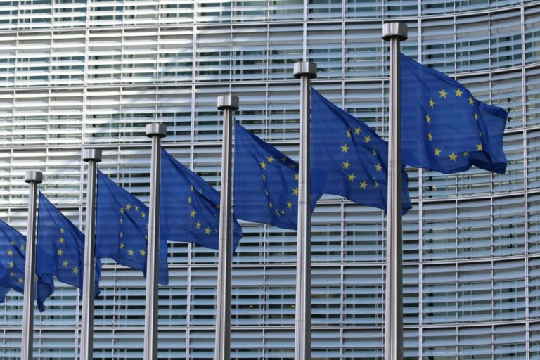 España y República Checa llevan a la UE la preocupación por el precio de la luz