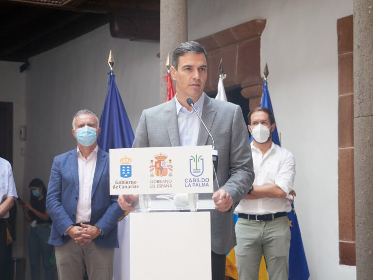 Sánchez anuncia una modificación del Fondo de Contingencias para acelerar las ayudas a la Palma