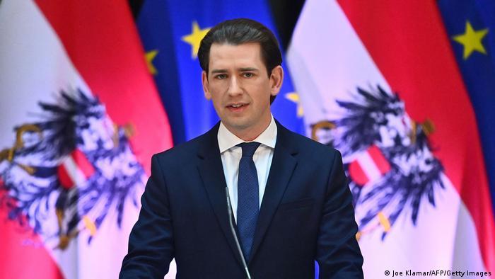 El canciller austríaco dimite por las acusaciones de corrupción