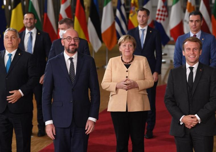 La Unión Europea esperará a diciembre para empezar a decidir si cambia el mercado energético o no