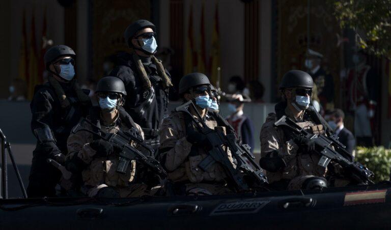 """Manifestación de Militares para mejorar sus retribuciones: """"Las medallas no dan de comer"""""""