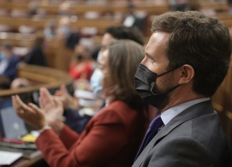 Casado asegura que el Gobierno español es más radical que los de Polonia o Hungría