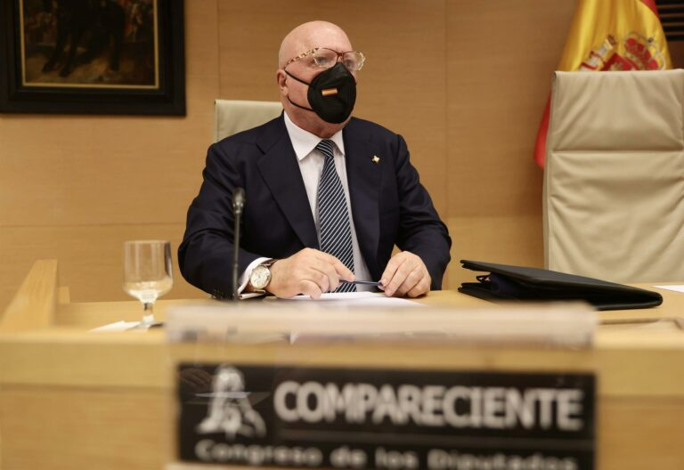"""Villarejo dice que fabricaron inhibidores de testosterona para el Rey Juan Carlos porque era muy """"ardiente"""""""